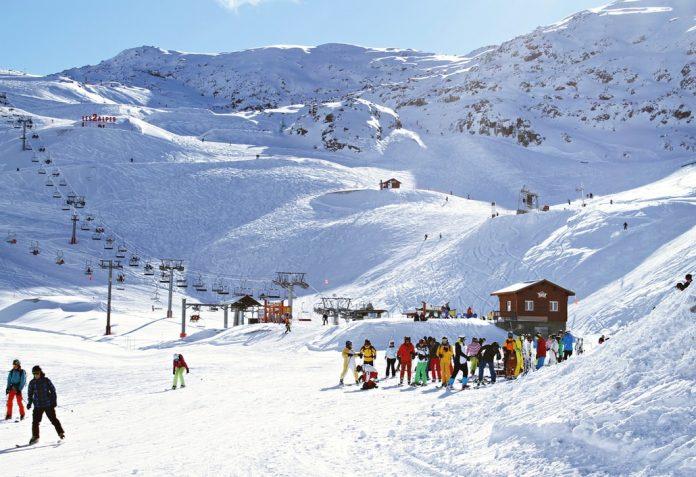 Skijati